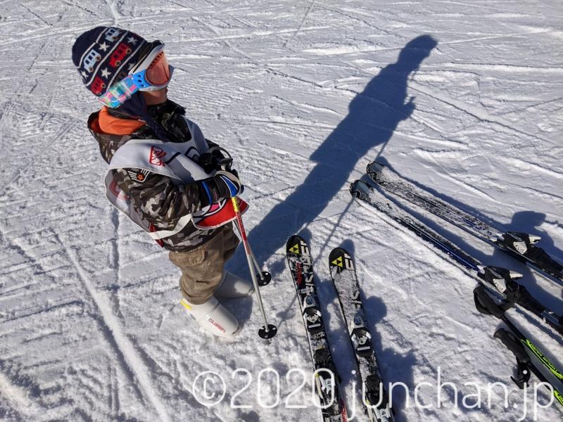スキーに息子を連れてきた