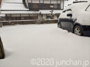 雪が積もった早朝