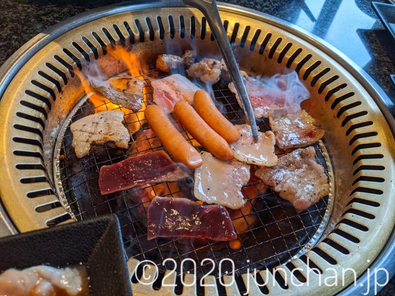 とにかく肉を焼く!