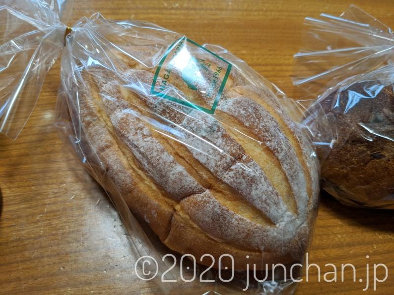 ウリ坊柄のパンがうまそう
