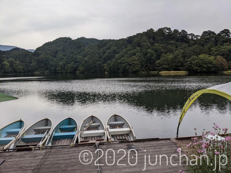 松原湖には何箇所かボート貸し場があった