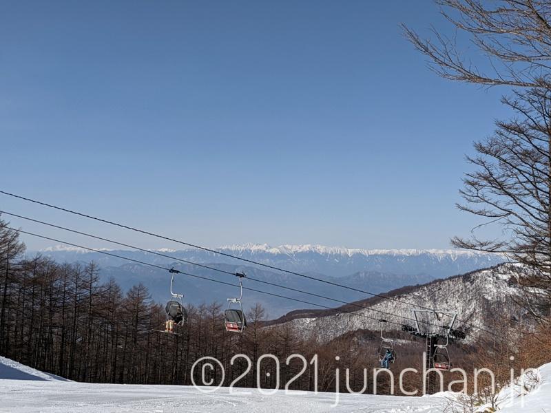 遠くに見える稜線が美しい
