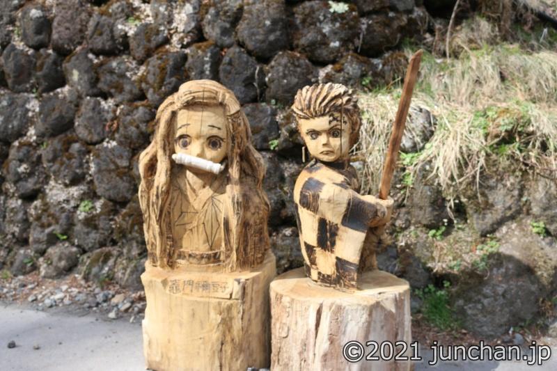 木彫りの炭治郎と禰豆子